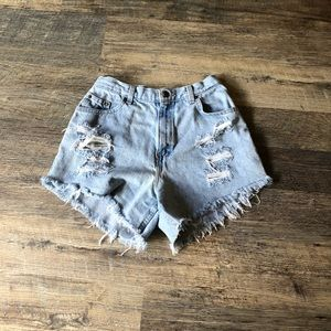 Jean shorts (ripped)